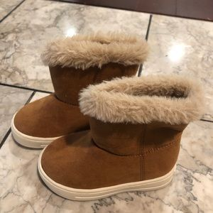 Old Navy fashion booties.
